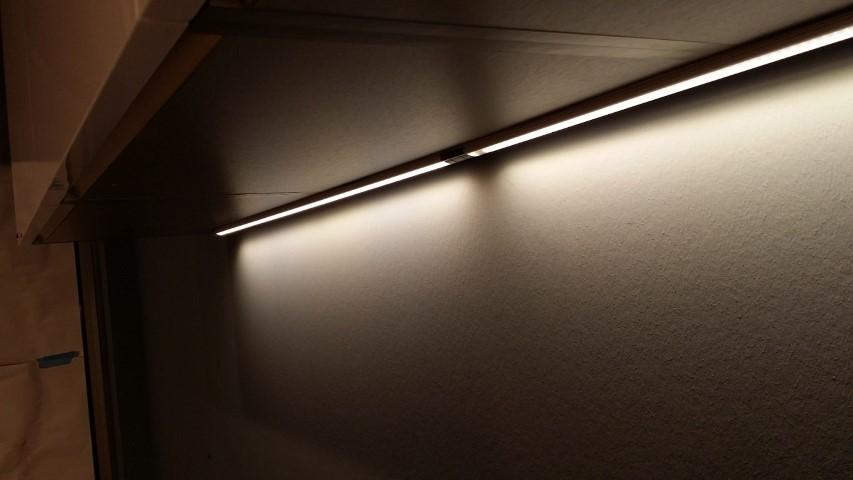 Led Verlichting Keuken Inbouw : LED strips en spots zijn Special voor de keuken, voor onder de keuken